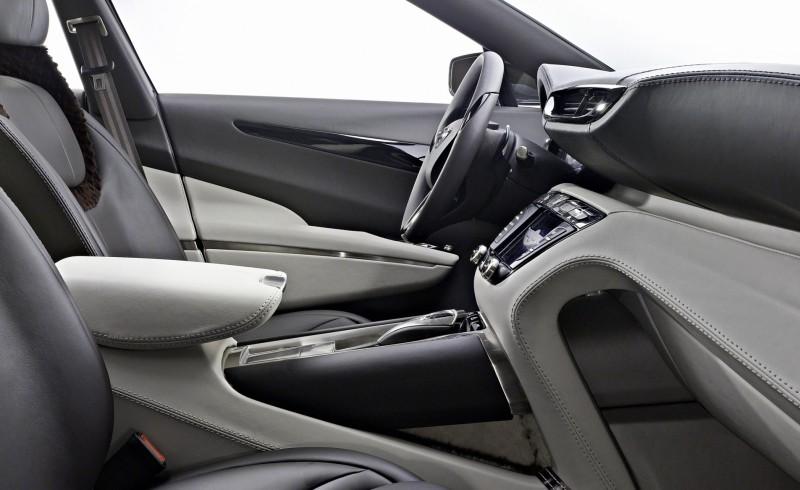 2009 Aston Martin LAGONDA SUV Concept 16 - Copy
