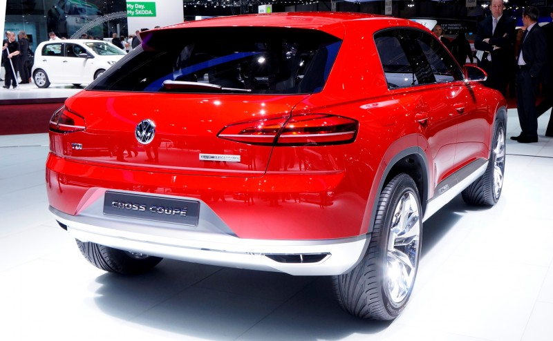 2011 Volkswagen Cross Coupe SUV Concept 8