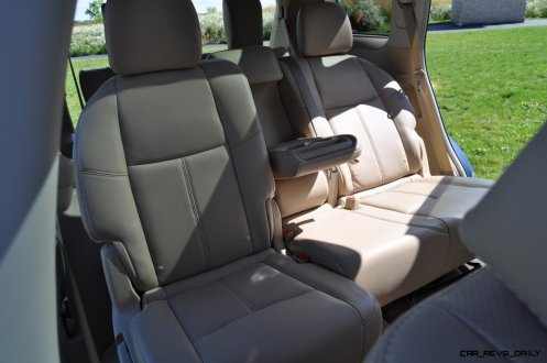 2014 Nissan Pathfinder Platinum Inside and Out17