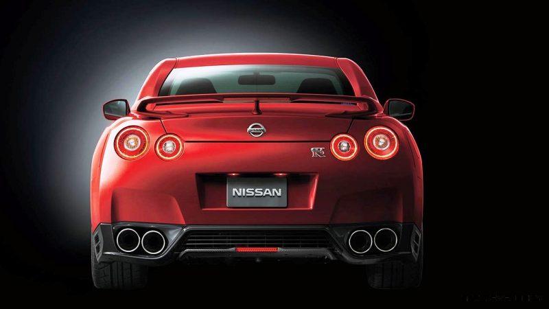 2014_Nissan_GT-R_Nissan_48836