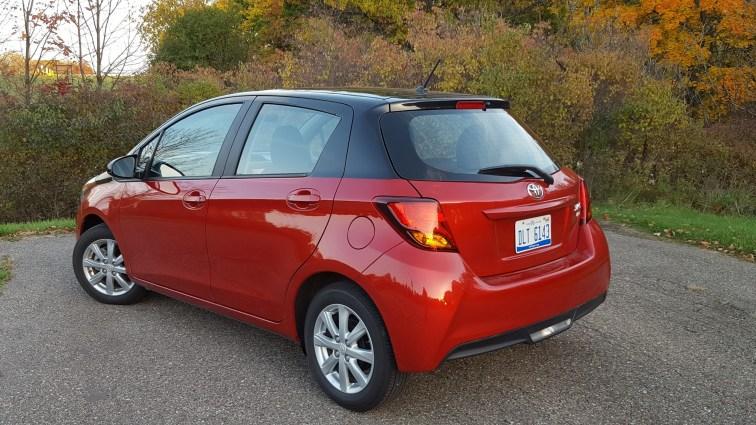 Toyota Yaris alt background