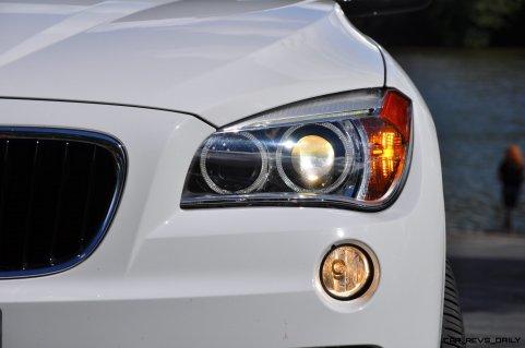 BMW X1 sDrive28i M Sport - Alpine White in 60 High-Res Photos37