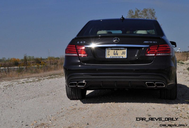 CarRevsDaily.com - Fun Car Gifs - 2014 E63 AMG 4MATIC S-Model in 30 High-Res Images22
