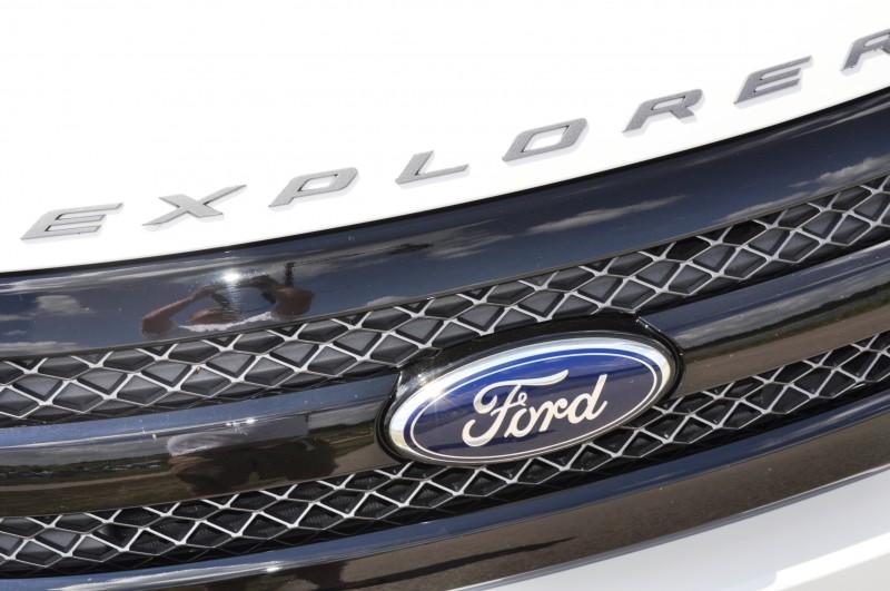 Ford Explorer Sport - Photo Showcase13