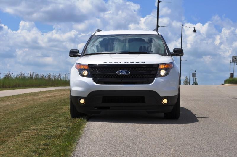 Ford Explorer Sport - Photo Showcase24