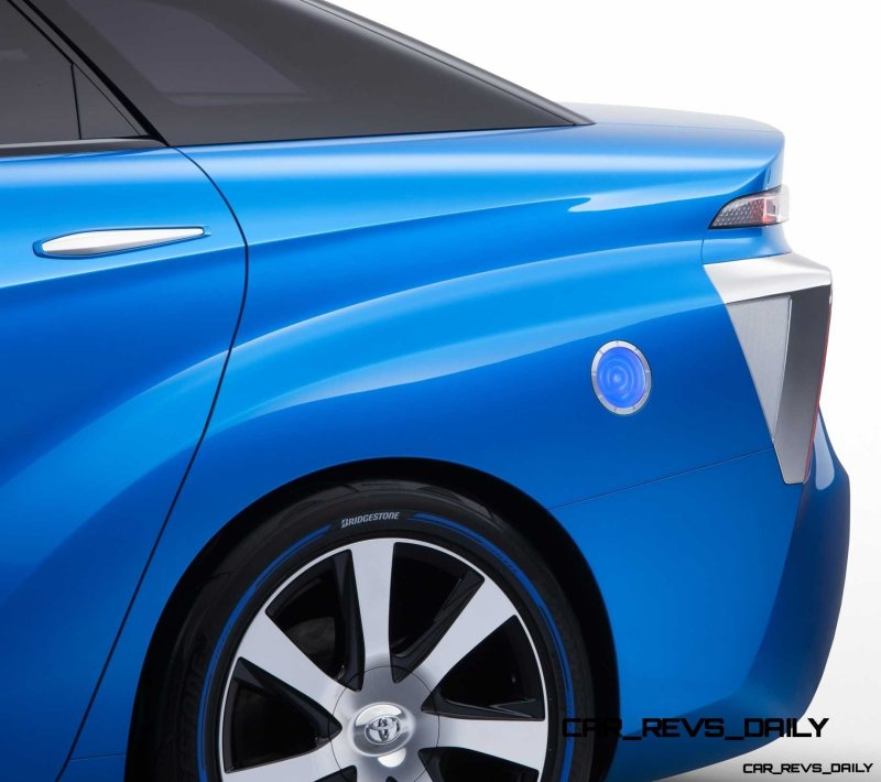2013_Tokyo_Motor_Show_Toyota_Fuel_Cell_Vehicle_Concept_012