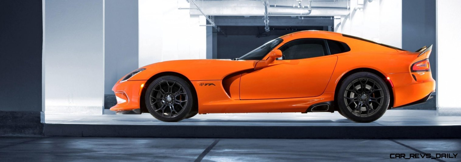 2014 SRT Viper Brings Hot New Styles and Three New Colors30