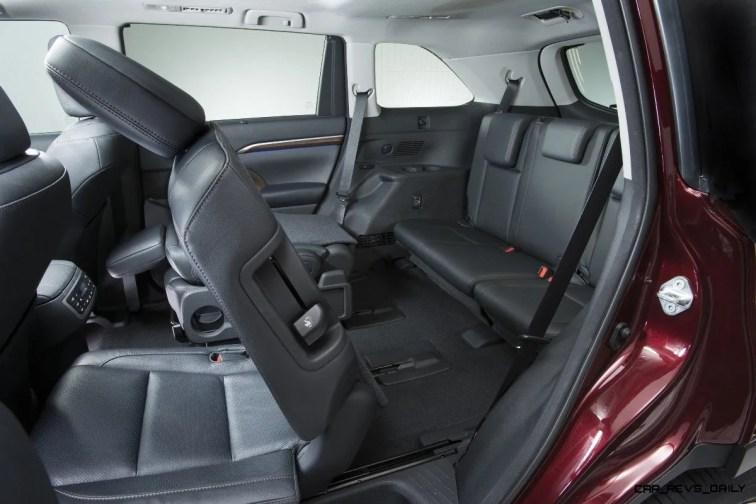 CarRevsDaily - 2014 Toyota Highlander Interior Photo10