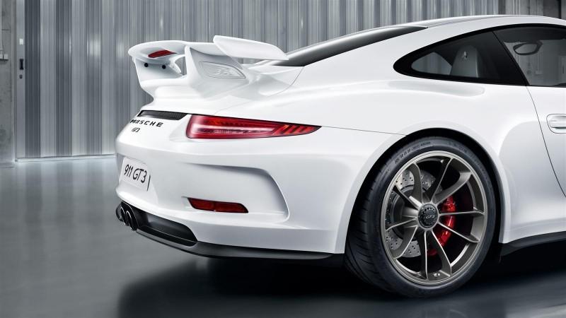 2014 Porsche 911 GT3 Is 9000-RPM Boxer Bliss 16