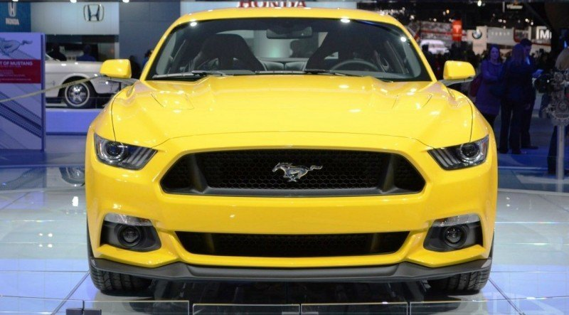 2015-Ford-Mustang-GT-at-2014-NAIAS-front