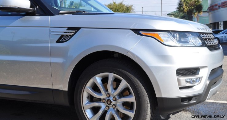 New Range Rover Sport HSE in 30 Real-Life Photos 13