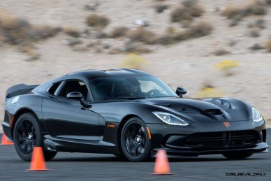 2014 SRT Viper Brings Hot New Styles and Three New Colors43