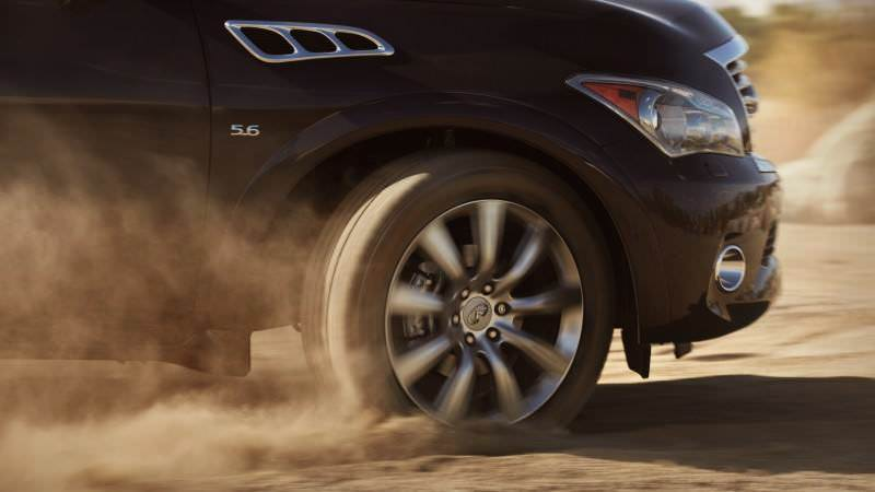 Car-Revs-Daily.com -- 2014 INFINITI QX80 Buyers Guide, Pricing, Colors and Specs 17