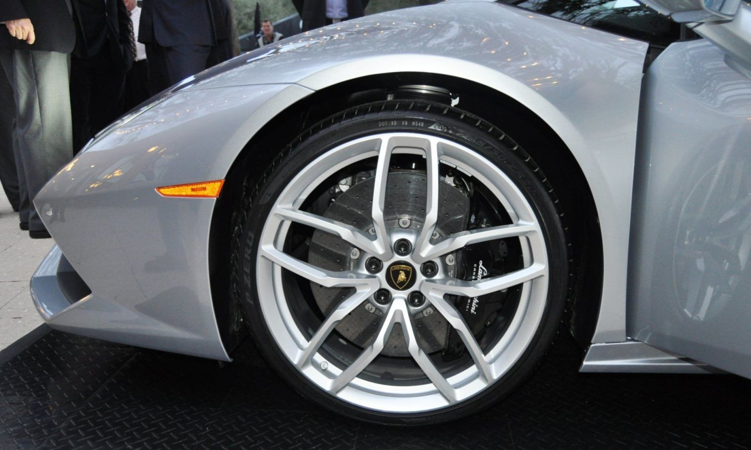 Car-Revs-Daily.com -- 2015 Lamborghini Huracan -- Official American Debut  34