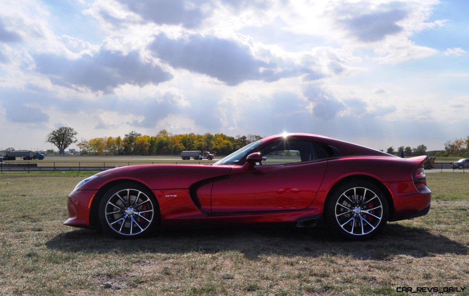 CarRevsDaily.com - 2014 SRT Viper GTS - Huge Wallpapers21