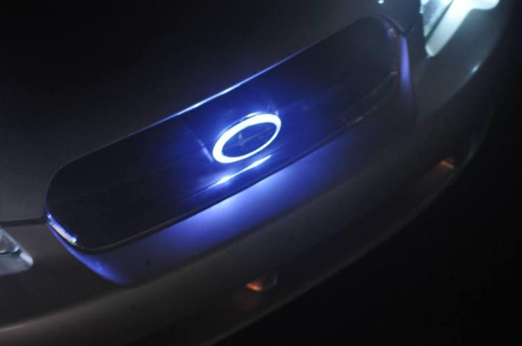 DIY LED lights and LED subaru badge emblem_7695841474_l
