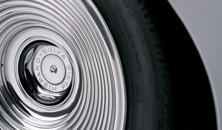0004-1938_Dubonnet_Hispano_H-6C_Xenia_wheel