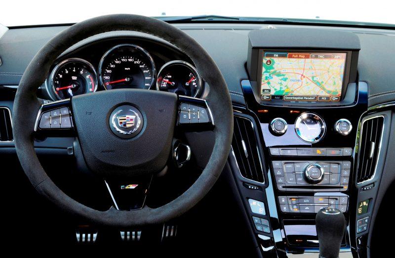 043_Cadillac_CTS-V_Sport_Wagon