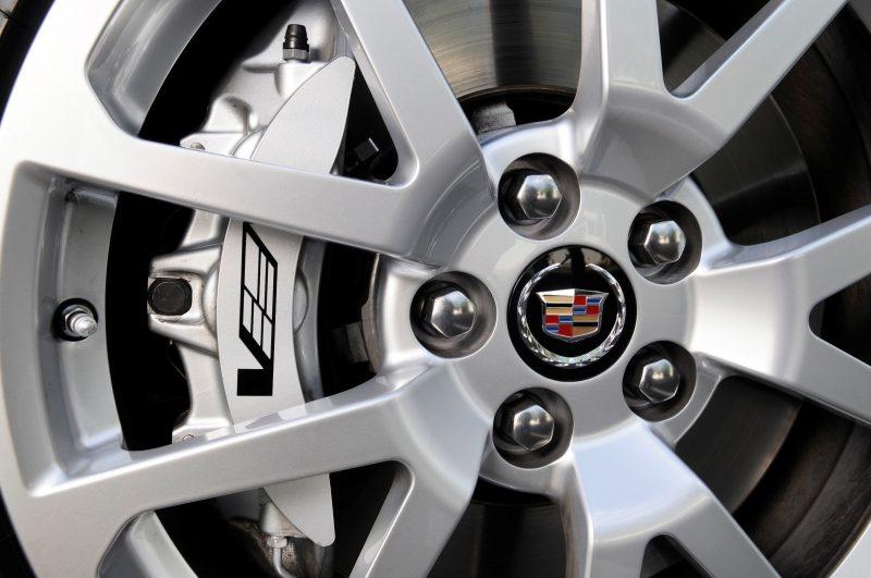 058_Cadillac_CTS-V_Sport_Wagon