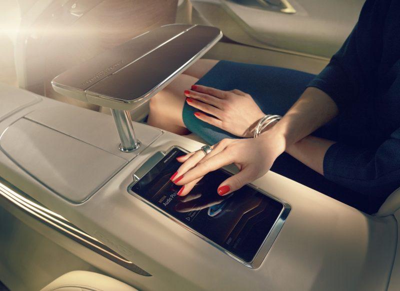 Car-Revs-Daily.com BMW Vision Future Luxury COncept - Beijing 2014 INTERIOR2