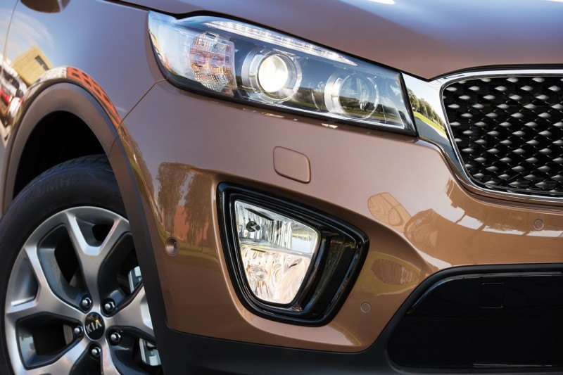 2016 Kia Sorento Debuts in Paris With Jaguar-Baiting Style at Ford Prices 2