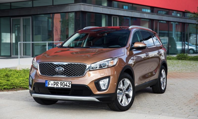 2016 Kia Sorento Debuts in Paris With Jaguar-Baiting Style at Ford Prices 43