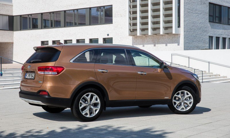 2016 Kia Sorento Debuts in Paris With Jaguar-Baiting Style at Ford Prices 48