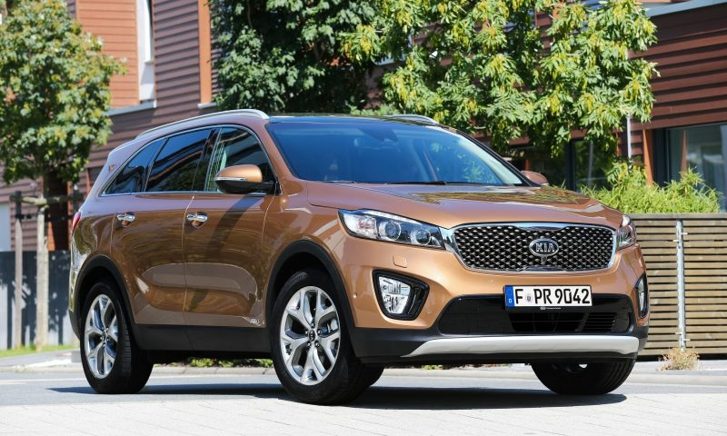 2016 Kia Sorento Debuts in Paris With Jaguar-Baiting Style at Ford Prices 50