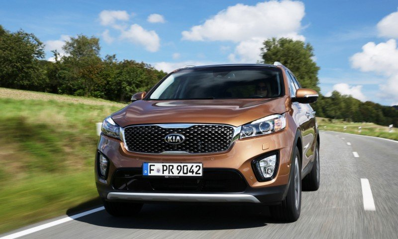 2016 Kia Sorento Debuts in Paris With Jaguar-Baiting Style at Ford Prices 57