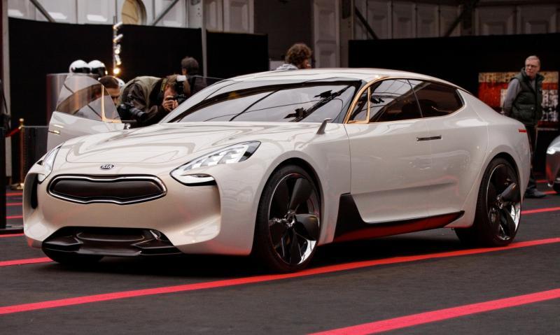 2011 Kia GT 10