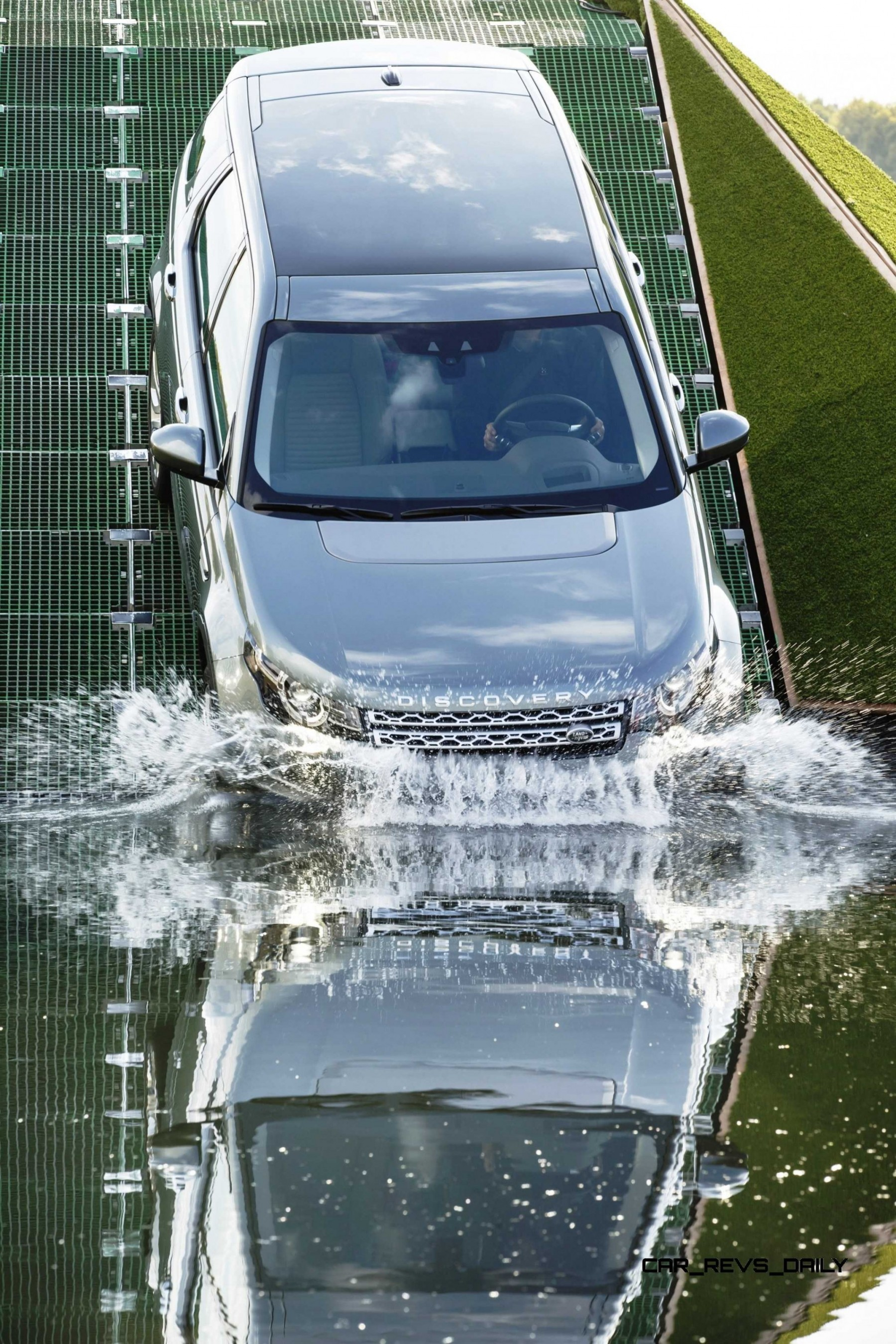 2015 Land Rover Discover Sport Enters Production With Uniquely