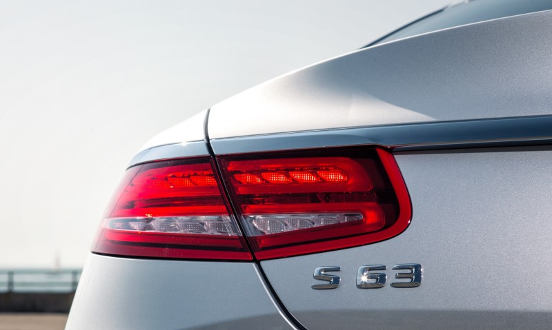 2015 Mercedes-Benz S63 AMG Coupe 16