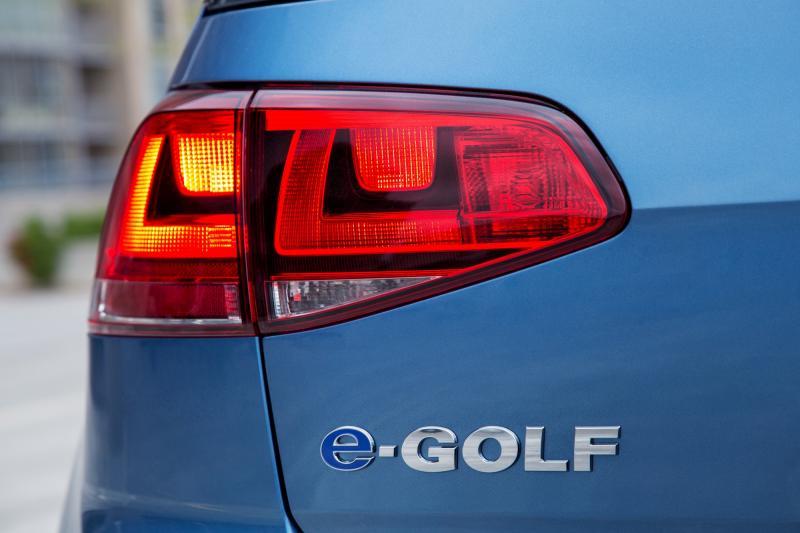 2015 e-Golf 17