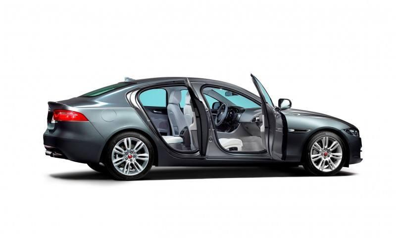2016 Jaguar XE 13