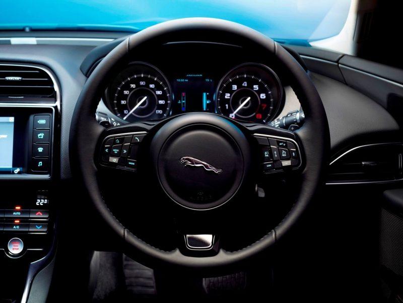 2016 Jaguar XE 22