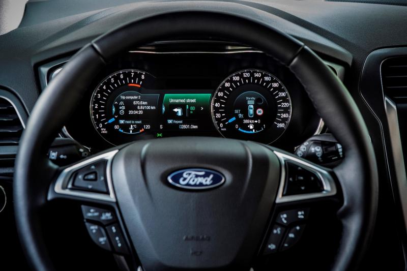 All-new Ford Mondeo debuts Pedestrian Detection; new engines and reduced weight deliver enhanced efficiency -59594