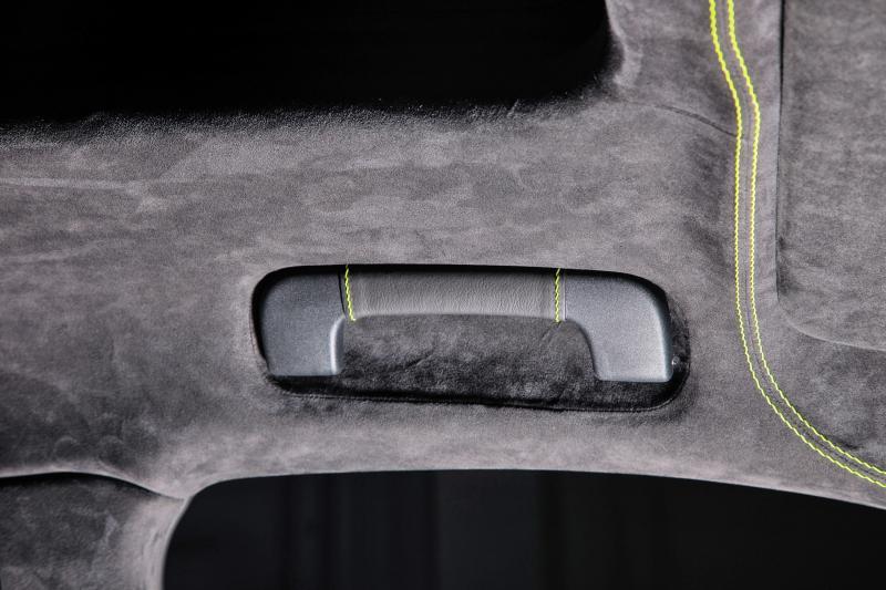 TECHART_for_Porsche_Macan_roof_stitching