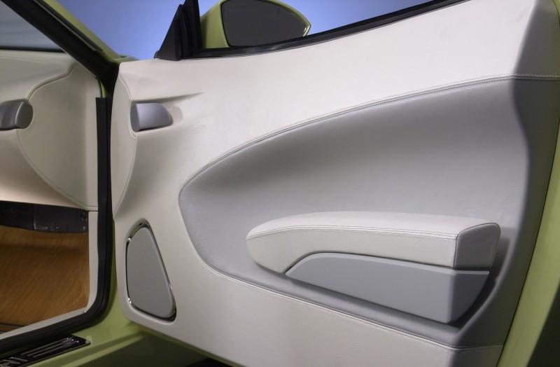 2004 Hyundai HCD-8 Sports Tourer Concept 29