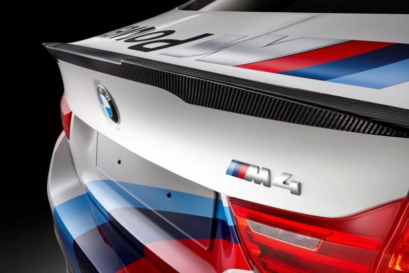2015 BMW M4 Safety Car 10