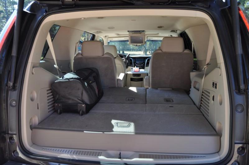 2015 Cadillac Escalade Luxury AWD 37