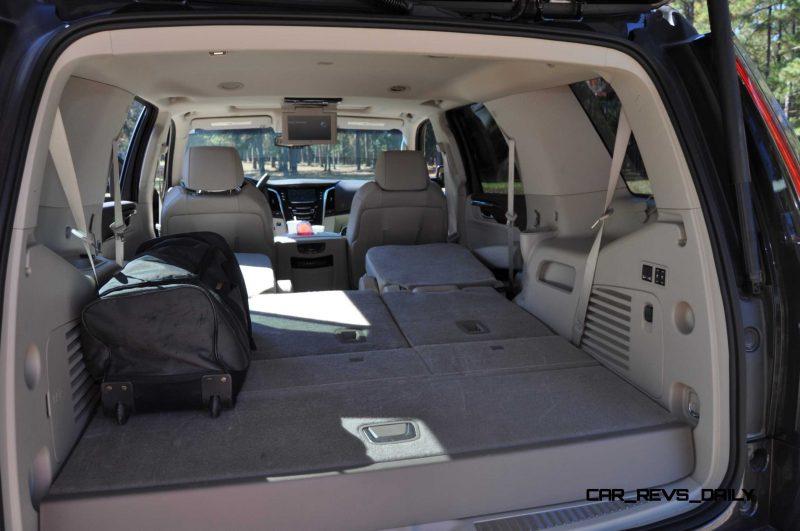 2015 Cadillac Escalade Luxury AWD 38