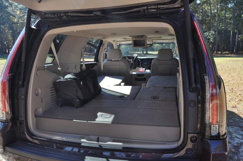 2015 Cadillac Escalade Luxury AWD 39