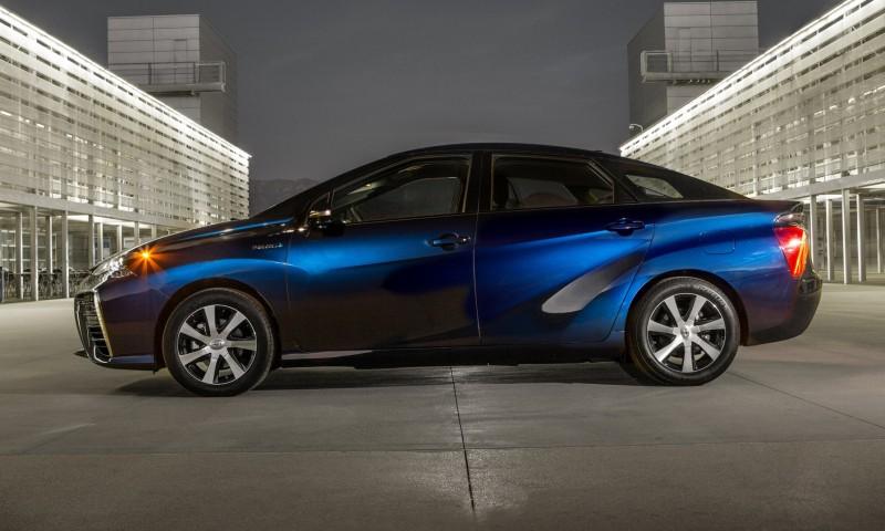 2016 Toyota Mirai 43