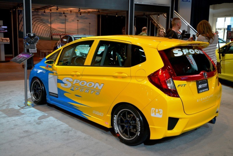 SEMA 2014 Showfloor Photo Gallery - The CARS 5