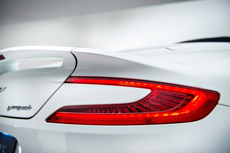 Aston Martin Works 60th Anniversary Limited Edition Vanqu~14