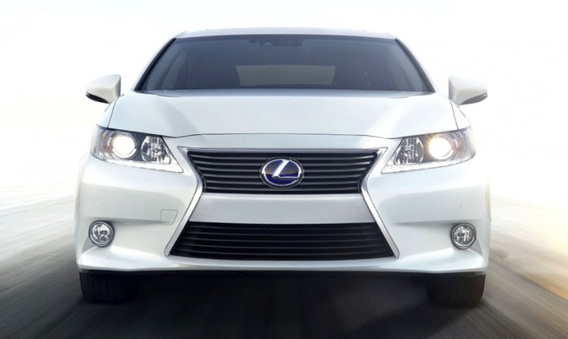 2015-Lexus-ES-hybrid-exterior-front-starfire-pearl-overlay-1204x677-LEXESHMY140005