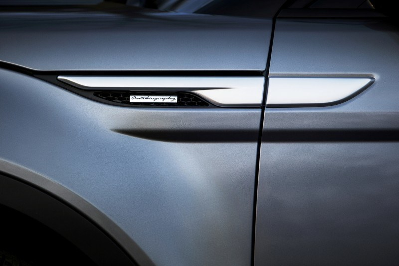 2015 Range Rover Evoque Gains 9-Speed Auto, Refreshed Info Tech and Boosted Engine HP 11