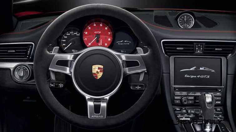 2015 Porsche 911 Targa 4 GTS 31
