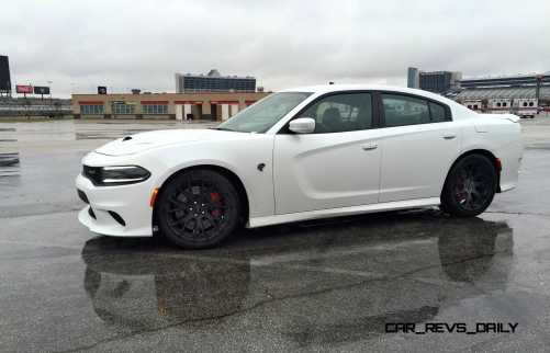 2015 Dodge Charger SRT HELLCAT Review 10