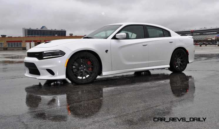 2015 Dodge Charger SRT HELLCAT Review 27